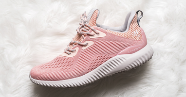 Adidas brengt Alphabounce uit in 'Pink' colorway!