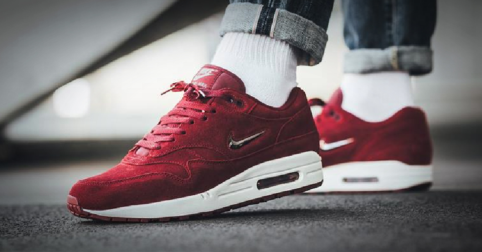 nike air max 1 team red