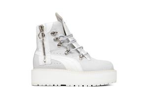 Rihanna's stoere Puma x Fenty Sneaker Boot
