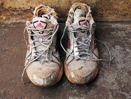 Sneakers schoonmaken en onderhouden