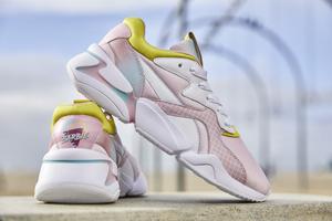 Wow! Barbie maakt comeback in unieke Puma Nova collab